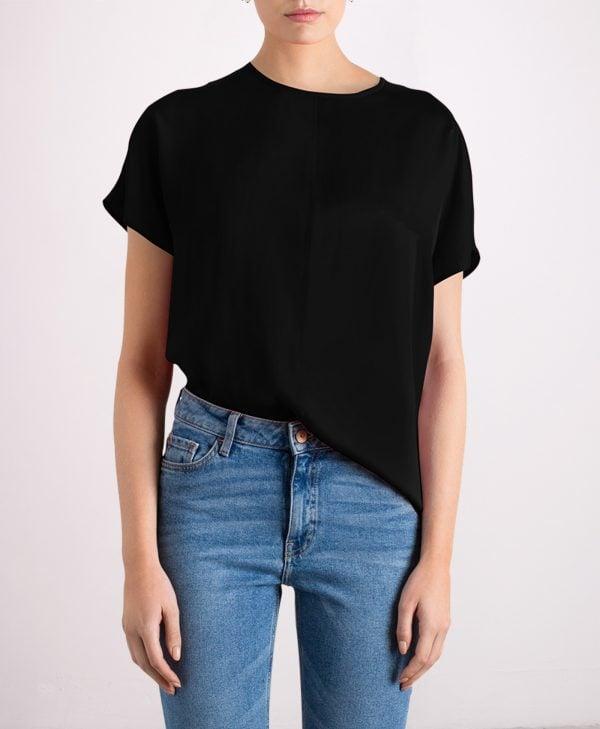 Silk top in black