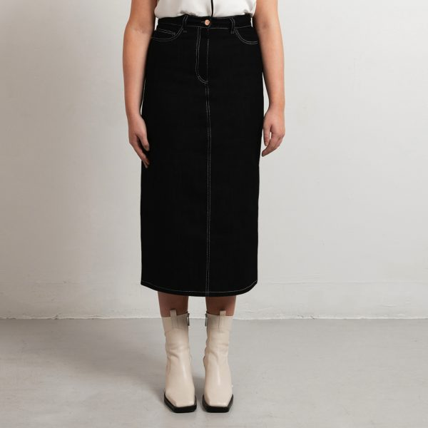 Custom fit denim skirt
