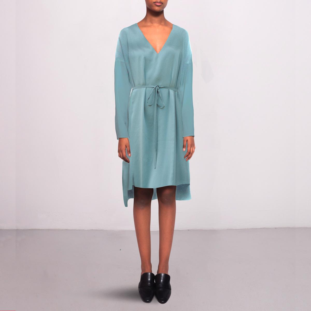 Short dress in silk