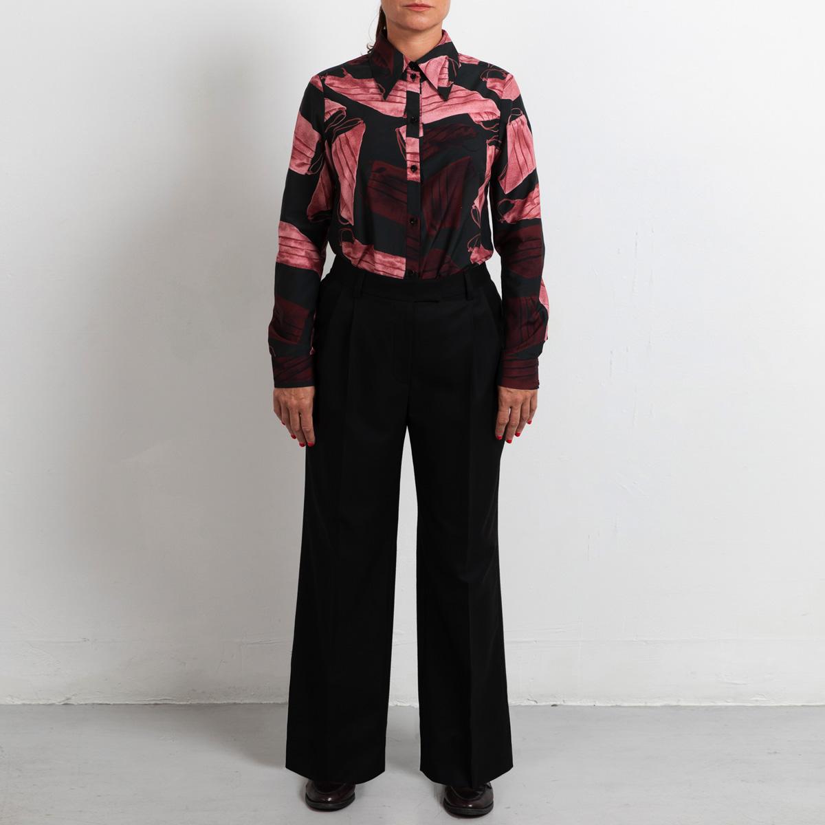 Wide leg pants in wool